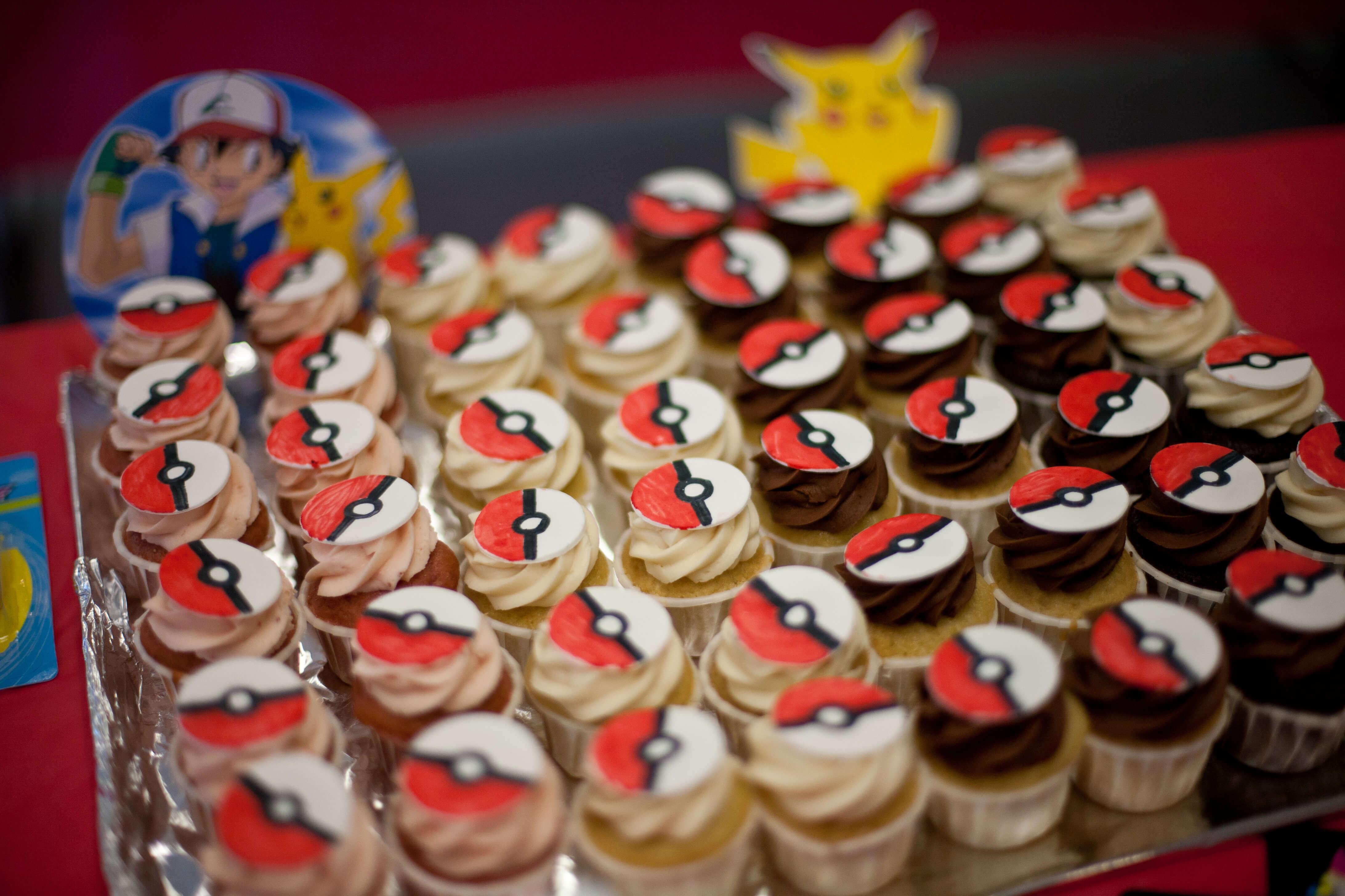 Pokeball Cupcakes